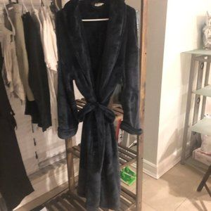 Unisex Super comfy New Robe Size L !!